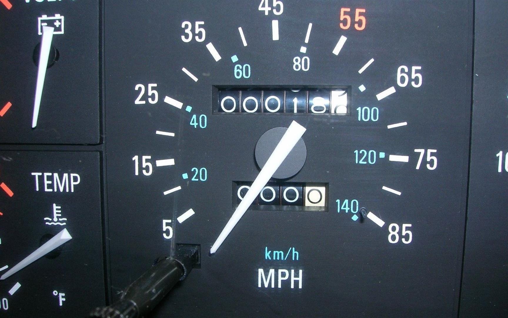 DeLorean Speedometer | DaveTavres.com