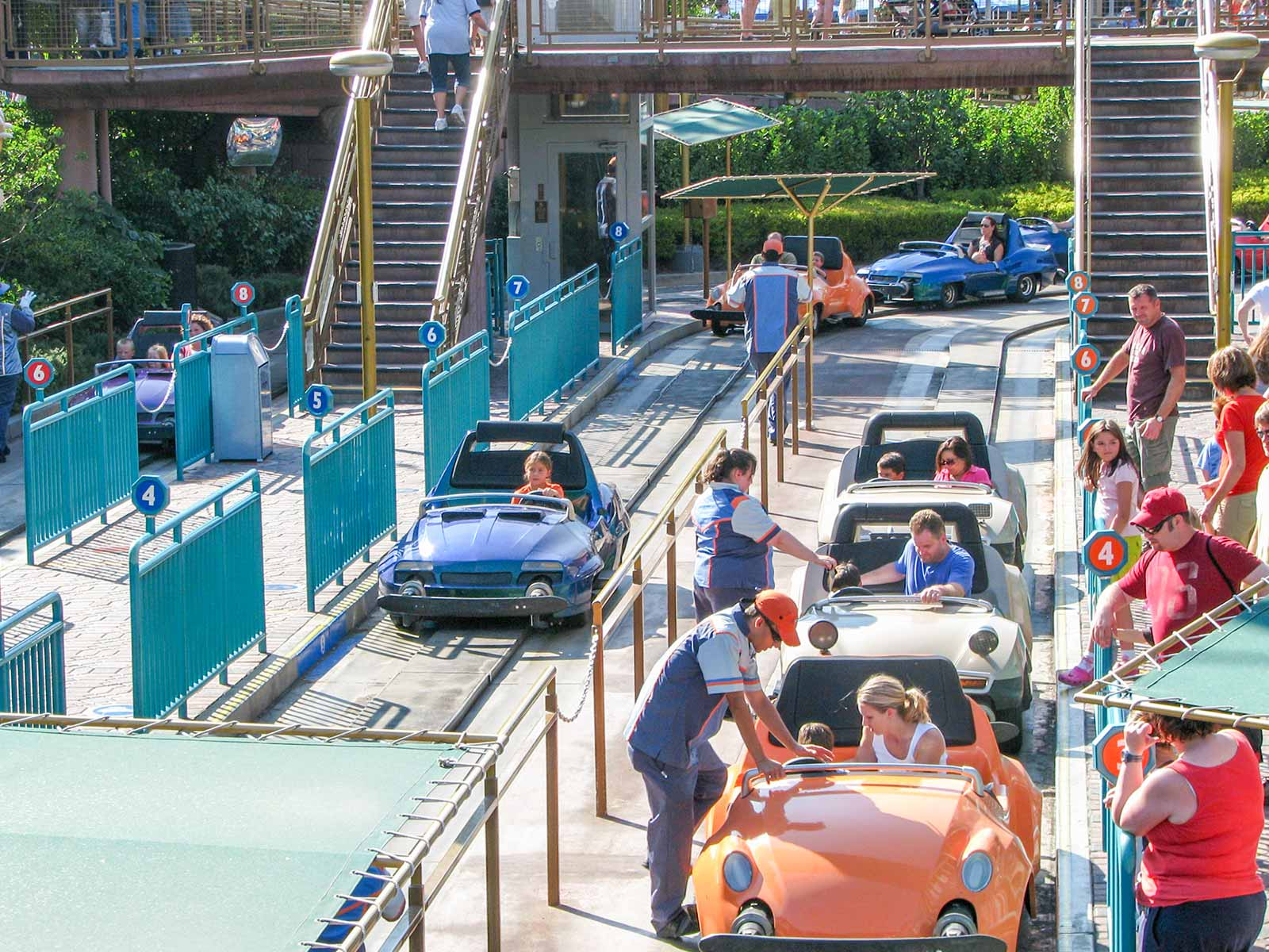 Disneyland Autopia Loading Area | DaveTavres.com