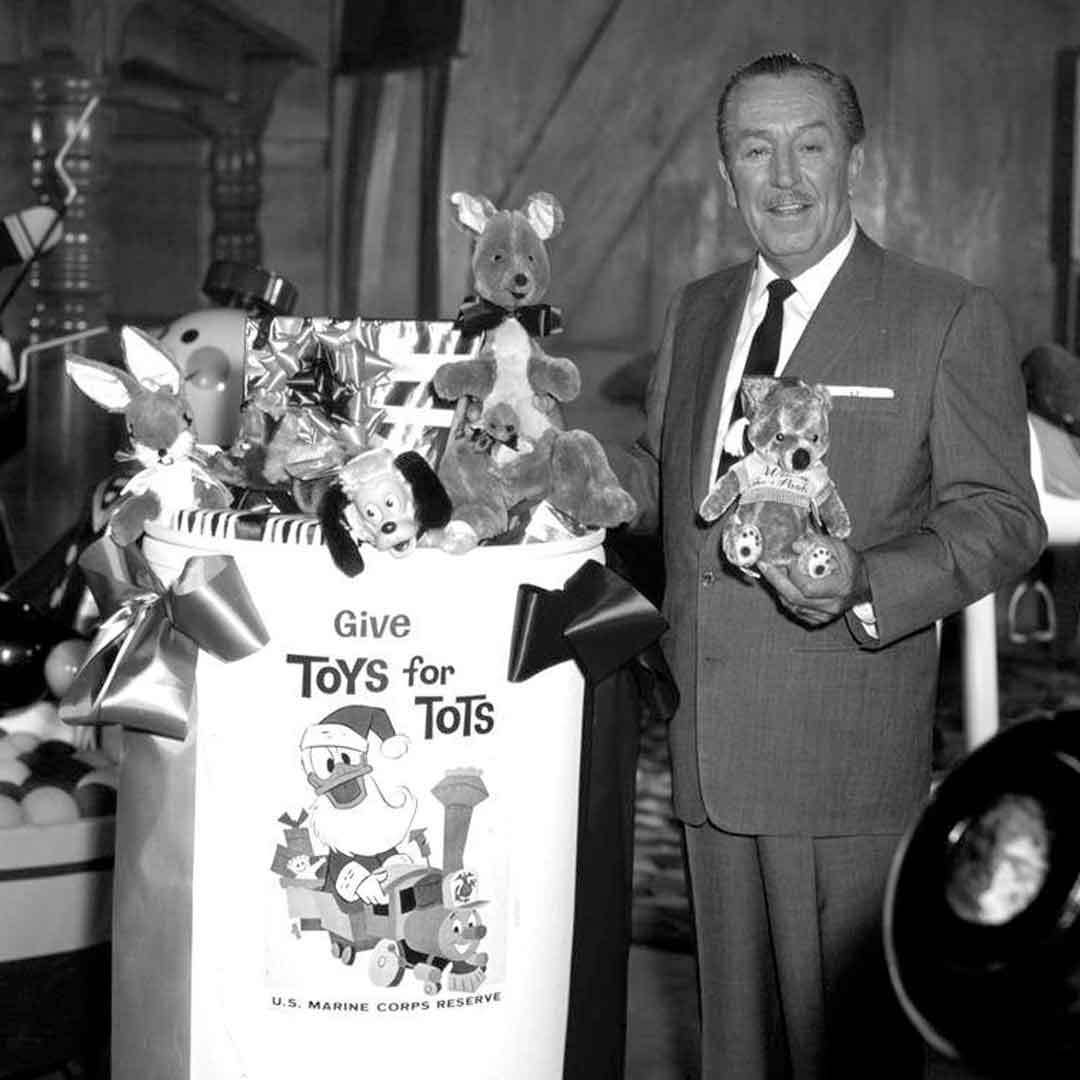Walt Disney giving | DaveTavres.com